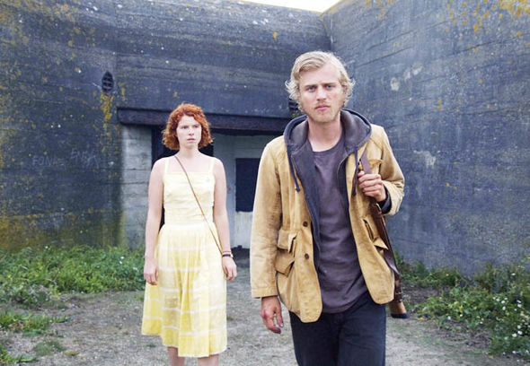 Jessie-Buckley-Jersey-Beast-Johnny-Flynn-1324826
