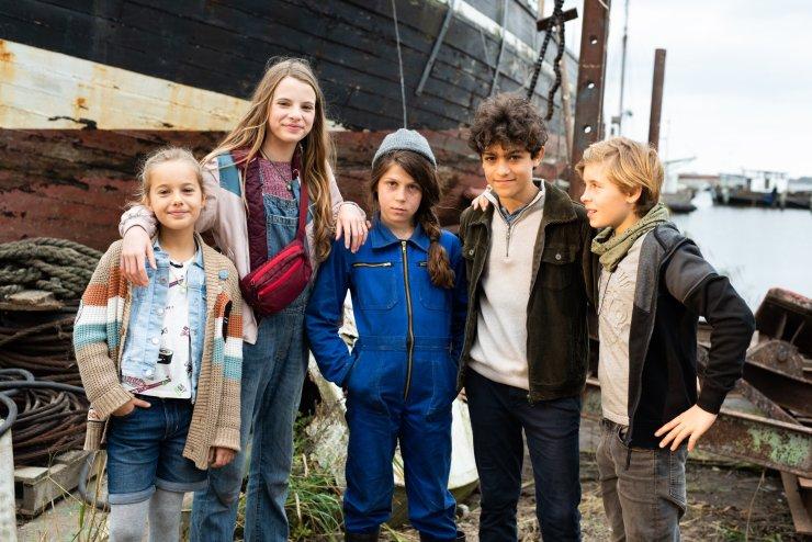 Film-2-Gruppenfoto-mit-allen-scaled